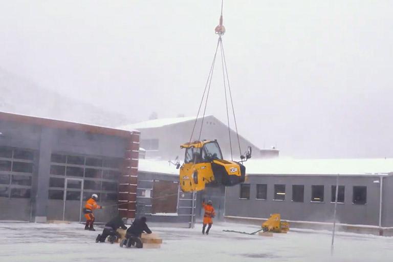 header helikopter transport jcb bauteil teleskoplader