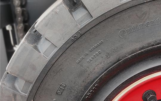 staplerreifen profil detail