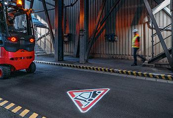 linde truck spot lager sicherheit arbeitsschutz 1
