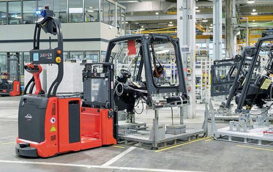 automatisiertes fahrzeug im betrieb linde detail