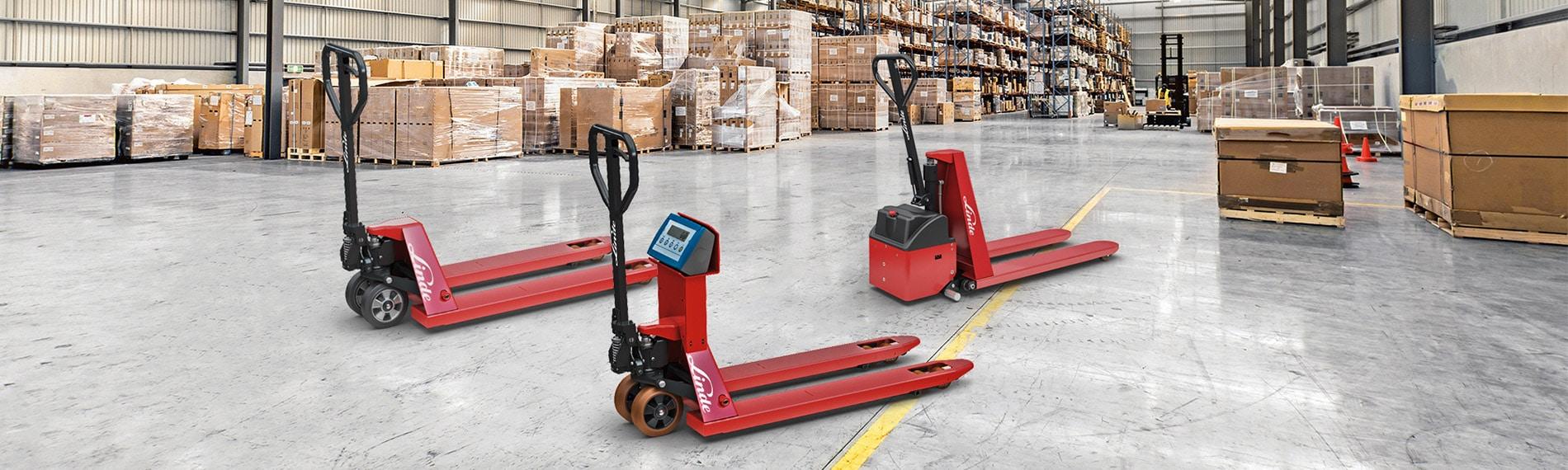 drei hubwagen rot linde lagerhalle