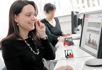 kontakt aufnehmen mitarbeiter