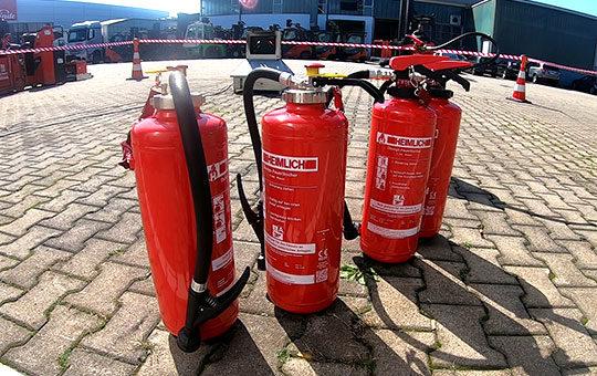Feuerloescher Brandschutzhelfer Gruma Akademie1
