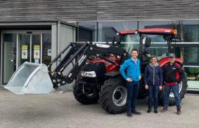 case traktor mit schaufel uebergabe